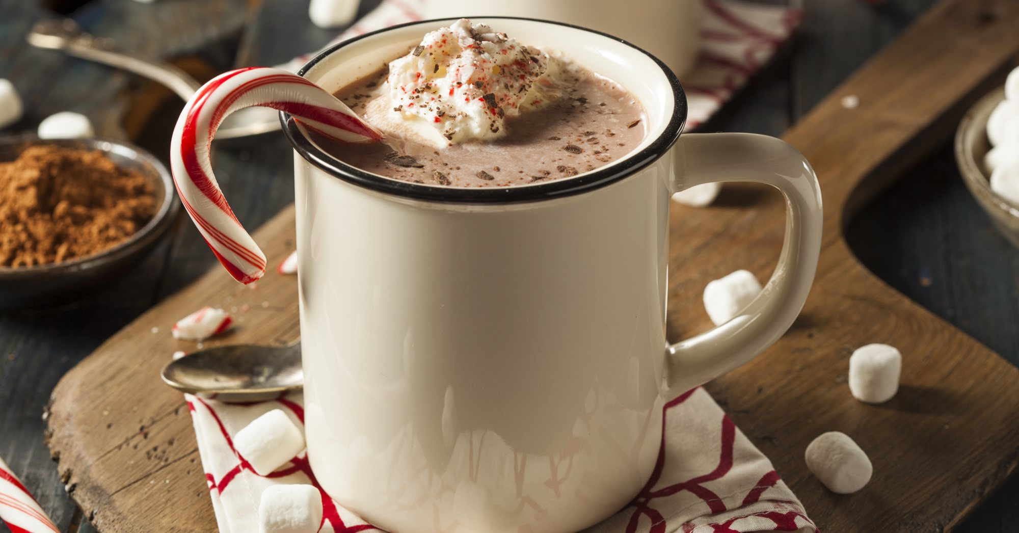 Drinks with Peppermint Schnapps Recipes – hot chocolate, peppermint, mug, marshmallows – Haskells